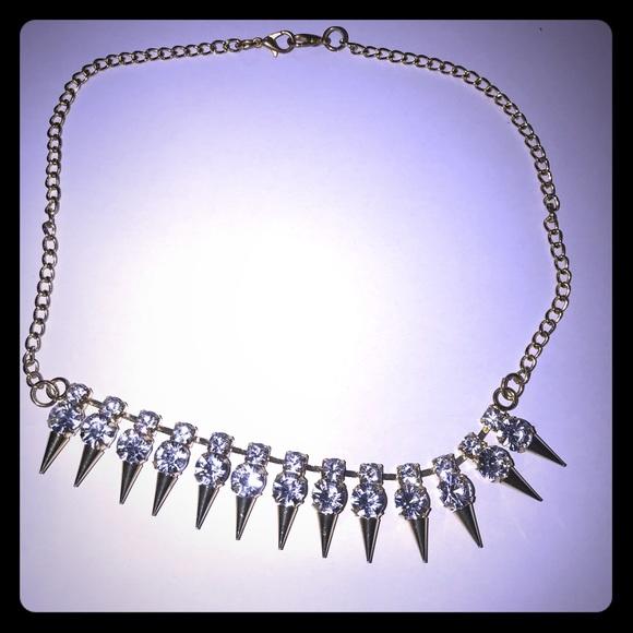 Gold Crystal Dagger Necklace [JW-60]